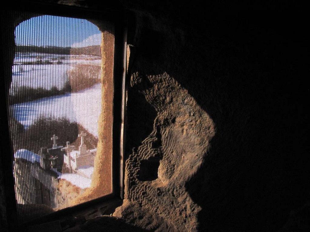 Detalle de uno de las ventanas del templo