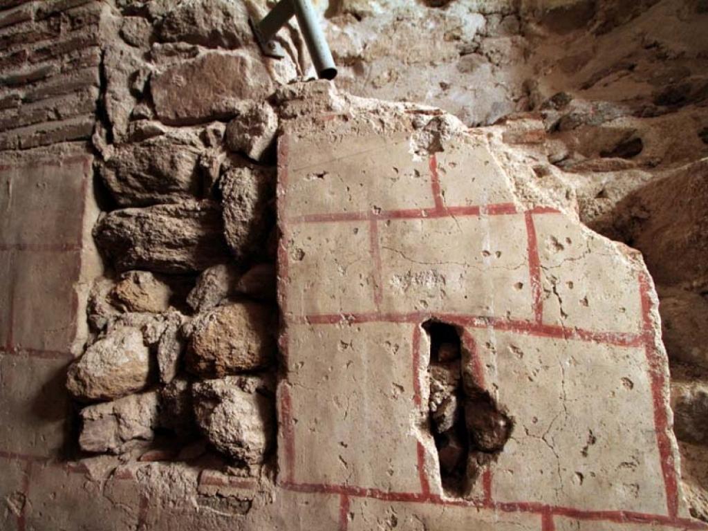 Restos de la fachada original románico hallada durante la restauración