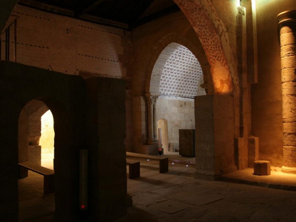 Cezura - Iglesia de Santiago Apóstol