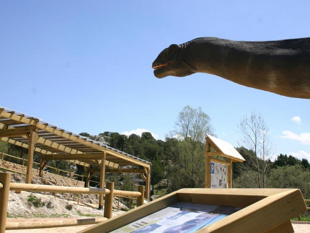 Acondicionamiento de icnitas de dinosaurio en el yacimiento de La Pedraja-Mambrillas de Lara