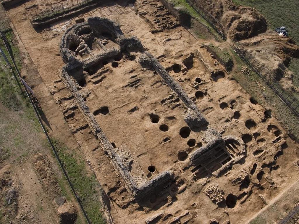 Protección y musealización de la Basílica Paleocristiana- Excavaciones arqueológicas