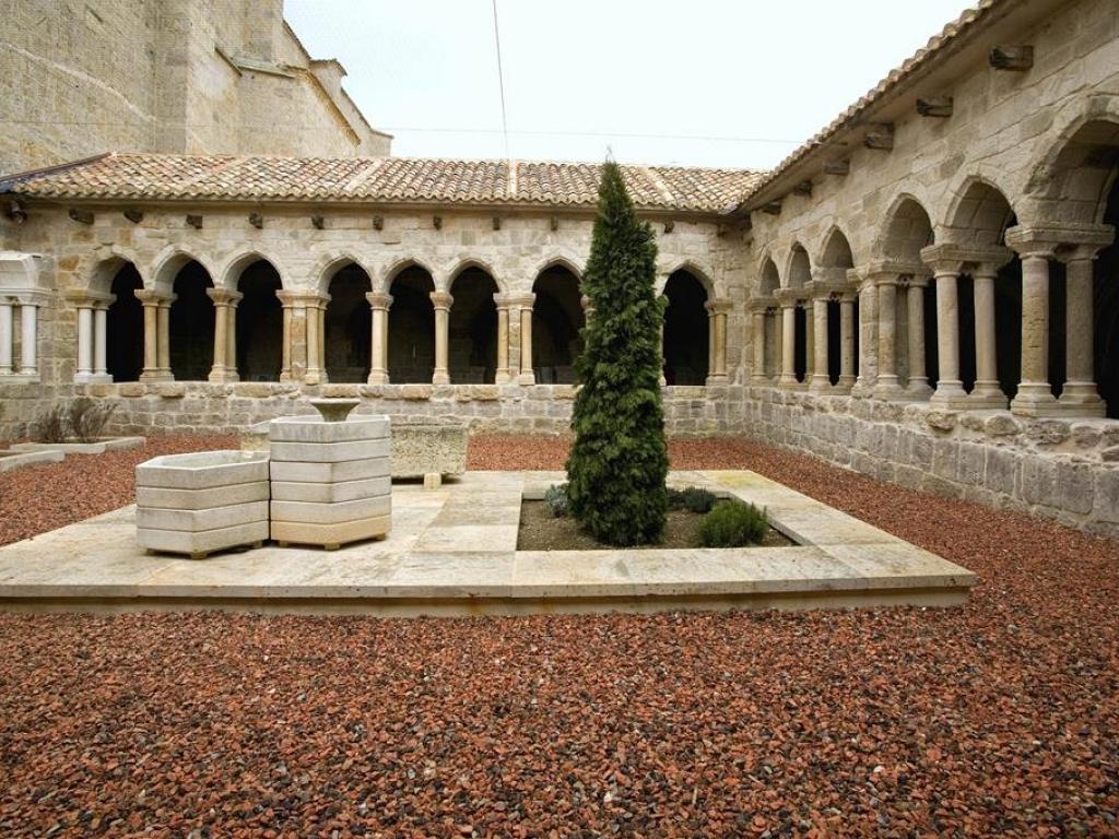 Castrojeriz - Claustro de la iglesia de San Juan