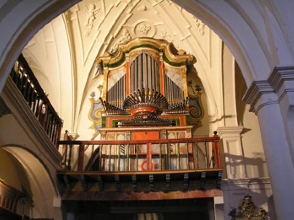 Itero del Castillo - Órgano de la iglesia de San Cristóbal
