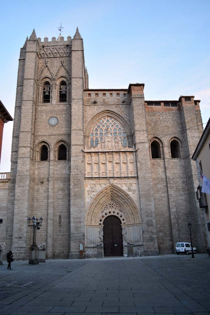 Ávila - Fachada occidental de la catedral