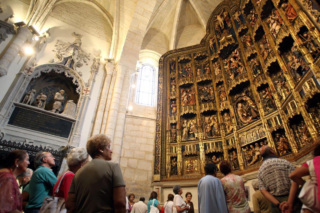 Retablo mayor de Santa María-Dueñas