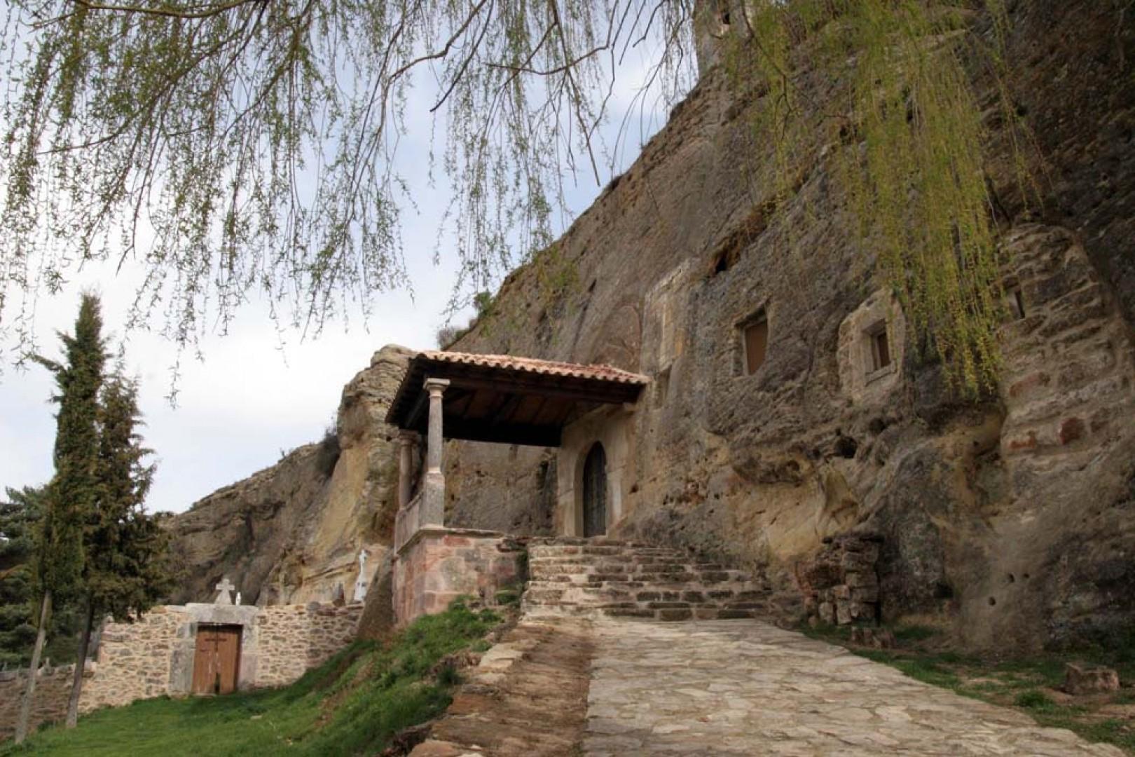 Olleros de Pisuerga - Iglesia de los Santos Justo y Pastor